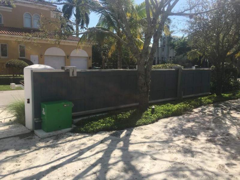 Slide Gate Fence